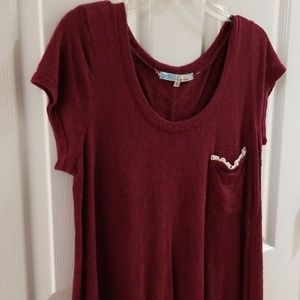 Short sleeved top with lace and separated back